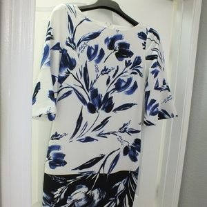 Vince Camuto 3/4 floral dress size 4